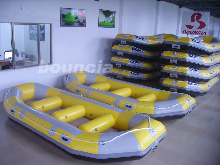 Inflatable Rafting Boat With 2.0mm PVC Tarpaulin Bottoms For Commercial Use